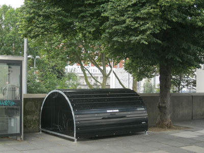 Cycle hangar in Lupus Street